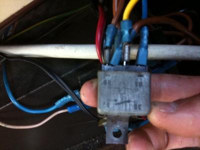relais met 5 kabeltjes