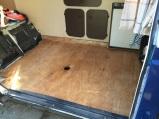 De oude vloer verwijderd.