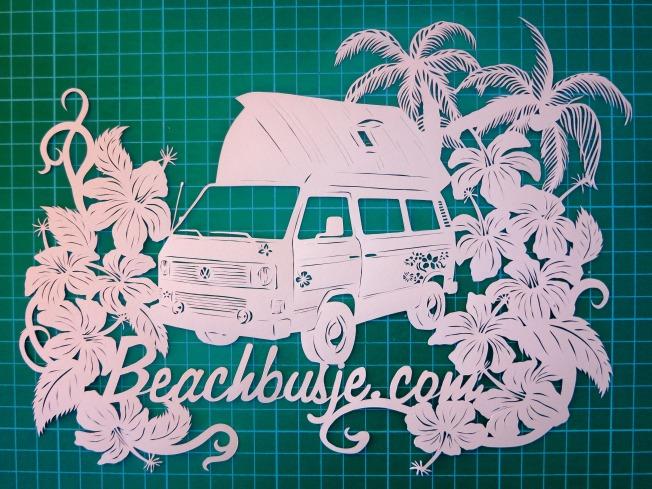 Prachtig papier-snij kunstwerk van mijn busje.