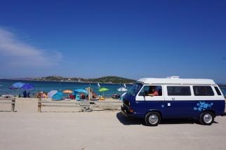 Op het strand van Sardinië
